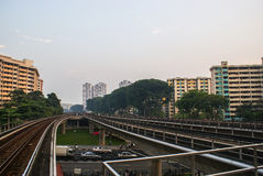 Singapore Piste del treno di MRT vicino ad Ang Mo Kio Station Partment del  di Ð Fotografia Stock