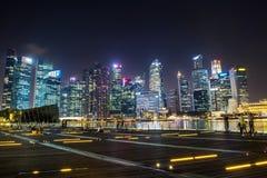 SINGAPORE-SEP 04 :街市或市夜间的新加坡 免版税库存照片