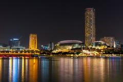 04 Singapore-sep: Van de binnenstad en de Promenade van Singapore in nacht Stock Foto