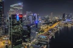 Singapore Singapore - Juli 18, 2016: Natthorisont av området Singapore för central affär Arkivfoton