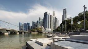 Singapore Singapore - Juli 16, 2016: Område för central affär och Singapore flod Royaltyfria Bilder