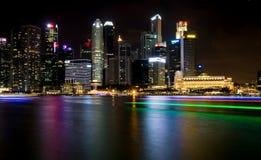 SINGAPORE SINGAPORE - JULI 19 2015: Sikt av i stadens centrum Singapore Royaltyfria Foton
