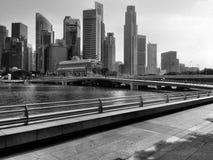 Singapore stadshorisont i monokrom Arkivfoto