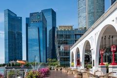 Singapour 13 AVRIL 2019 : Singapour l'hôtel de baie de Fullerton en dehors de la vue de paysage photo libre de droits