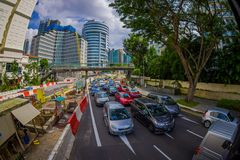 SINGAPOUR, SINGAPOUR - 30 JANVIER 2018 : Voitures, rue et scène urbaine dans le secteur central de Singapour Images libres de droits