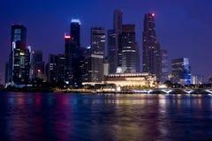 Singapour la nuit Images libres de droits