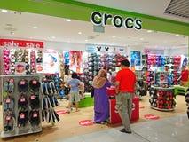 Singapour : Magasin de chaussures de Crocs Photos libres de droits