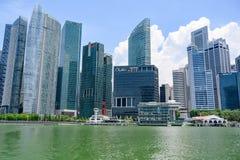 Singapour, secteur de Financal et hôtel de baie de Fullterton photos stock