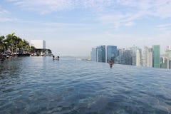 Singapur, Ansicht vom Pool bei Marina Bay Sands Lizenzfreies Stockfoto