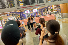 Singapur Changi Lotniskowego Terminal 2 odjazdu sala Zdjęcia Stock