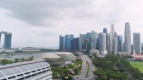 Singapur, Czerwiec -, 2018: Widok z lotu ptaka Singapore puszka miasteczka teren strzał Odgórny widok drapacze chmur w Singapur zbiory wideo