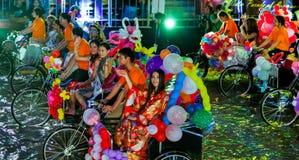 SINGAPUR - 3 DE FEBRERO: Festival 2012 de Chingay en Singapur en F Imagenes de archivo