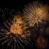 SINGAPUR - 3 DE FEBRERO: Fuegos artificiales en el festival 2012 de Chingay Foto de archivo