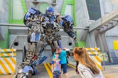 SINGAPUR - 20 DE JULIO DE 2015: TRANSFORMADORES el paseo: El último Imagen de archivo libre de regalías