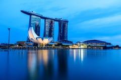 SINGAPUR - 22 DE NOVIEMBRE DE 2016: Marina Bay Sands Resort Hotel en N Fotos de archivo