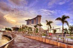 Singapur en el momento de la magia de la puesta del sol Imágenes de archivo libres de regalías