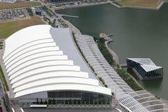 SINGAPUR - 3. FEBRUAR: Marina Bay Sands-Einkaufszentrum in der Sünde Lizenzfreie Stockfotografie