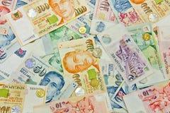 Singapur-Geld in den verschiedenen Nominals Stockbilder