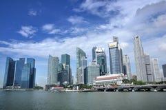 Singapur-Geschäftsgebiet-Skyline und -fluß Stockfoto