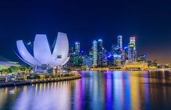 SINGAPUR 8. JULI 2016: Singapur-Stadtskyline und Ansicht von skysc stockfotografie