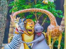 SINGAPUR - 20. Juli 2015: Touristen und Freizeitparkbesucher Attra Stockfoto