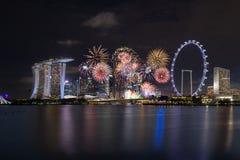 Singapur, Singapur - 30. Juni 2018: Feuerwerke Singapur-Nationaltag-2018 lizenzfreie stockfotografie