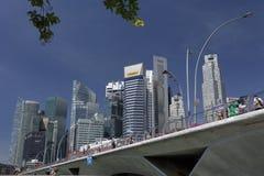 Singapur, Kwiecień 01, 2012: Biznesowego biura miasto Góruje - zapas Ja Zdjęcie Stock