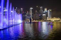 Singapur, Laser-Show in Marina Bay-Ufergegend Lizenzfreie Stockbilder
