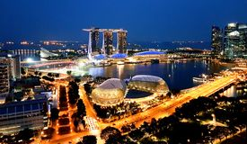 SINGAPUR - Maj 6, 2017: Panorama przez Marina zatokę Zdjęcia Royalty Free