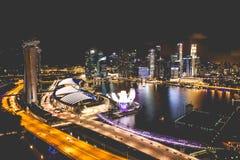 Singapur miasta linia horyzontu przy nocą i widokiem Marina zatoki Odgórny widok Fotografia Royalty Free