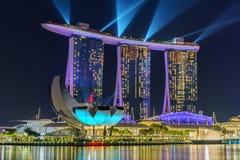 Singapur, Październik - 15, 2018: laserowy przedstawienie marina zatoki piaski przy nocą obrazy stock