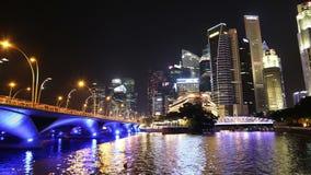 SINGAPUR, PAŹDZIERNIK - 2014: Singapur miasta linia horyzontu i Pieniężny okręg zdjęcie wideo