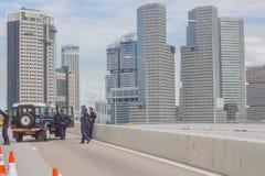 Singapur-Polizei-Straßensperre Stockfotos