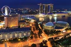 Singapur por noche Imágenes de archivo libres de regalías