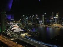 Singapur por noche Fotos de archivo libres de regalías