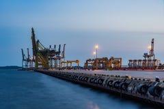 Singapur Przemysłowy portowy półmrok, Logistycznie pojęcie obraz stock