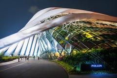 SINGAPUR 4. SEPTEMBER: Wolken-Wald u. Blumen-Haube an den Gärten durch die Bucht Lizenzfreies Stockfoto