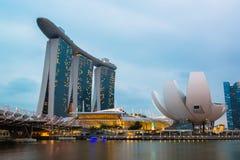 Singapur-Skyline des Geschäftsgebiets und der Marina Bays Stockfoto