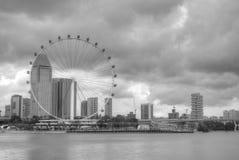 Singapur-Skyline, die das Singapur-Flugblatt kennzeichnen Stockfotos