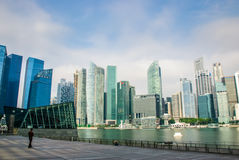 Singapur-Skyline, Jachthafenbuchtsande Stockfotos