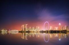 Singapur-Skyline und Ansicht von Marina Bay lizenzfreies stockbild