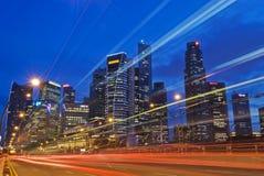 Singapur-Stadt-Skyline-Verkehr Stockfotos