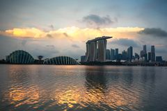 Singapur-Stadtskyline bei Sonnenuntergang stockfoto