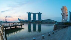 Singapur-Stadtskyline mit Merlions-Parknacht zum Tag-timelapse stock footage