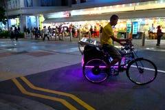 Singapur: Tío de Trishaw foto de archivo