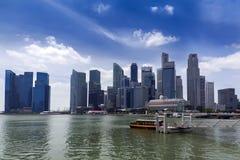 Singapur-Wolkenkratzer und Marina Bay Stockfotografie