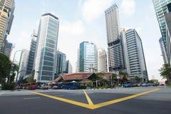 SINGAPURA - ABRIL 10,2016: Construção e arranha-céus em Singapura Foto de Stock Royalty Free