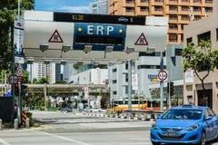 SINGAPURA 3 DE JUNHO DE 2017: Sistema do ERP de Singapura na rua na área central fotos de stock royalty free