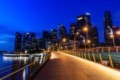 SINGAPURA - 24 DE NOVEMBRO DE 2016: Paisagem urbana do centro de Singa fotos de stock