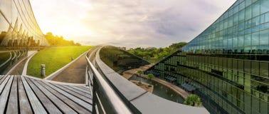 SINGAPURA - 24 DE OUTUBRO DE 2016: Construção arquitetónica moderna de N Imagens de Stock